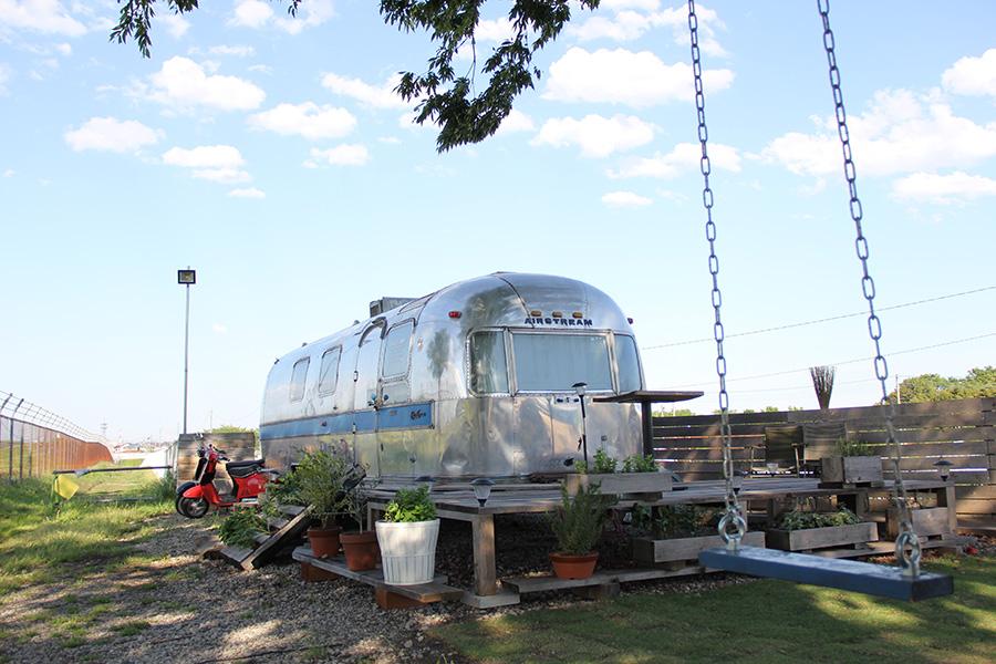 2016.5 GARAGELAND 埼玉県入間市 Airstream 撮影スタジオ  ジョンソン基地滑走路脇